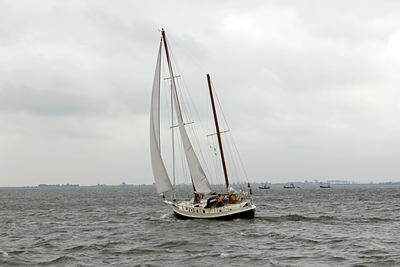 Sailing the IJ bay