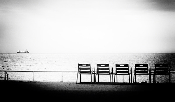 5 Chairs & a Ship
