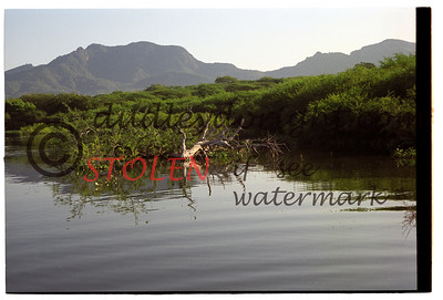 6880-22c El Salto Oct2001
