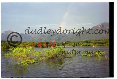 6880-25c ElSalto Oct2001 rainbow