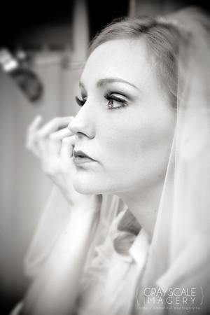 Bride touches up blush