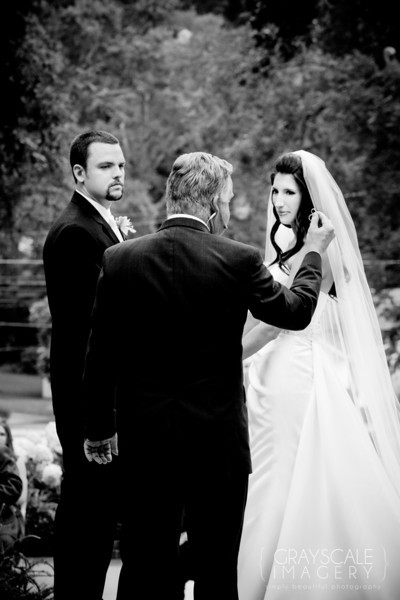 Officiant tells about rings at ceremony