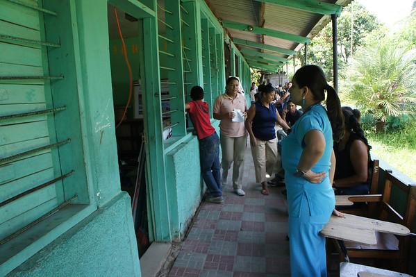 University of Pittsburgh, Medical, El Guante Honduras, 5/2012