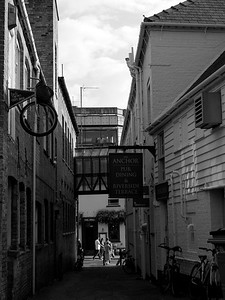 Pub and dining riverside Cambridge