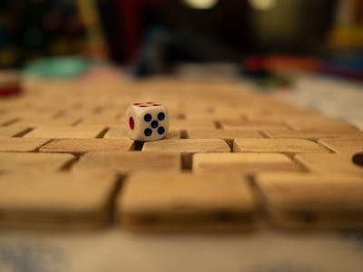 Dice with five facing