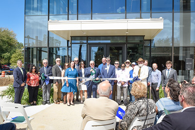 Georgia College students, faculty and staff, as well as state and local leaders, gather to celebrate the grand opening of the new Integrated Science Complex.
