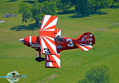 SAM SWIFT FLIES HIS PITTS SPECIAL AT ABOUT 1,000 FEET AGL OVER LEBANON, TN.  THANKS TO DAVID WILLIAMS WHO FLEW MY CHASE SHIP, A MAULE WITH THE REAR DOOR REMOVED.
