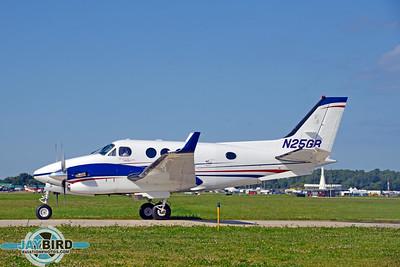 KING AIR C90A;N25GR