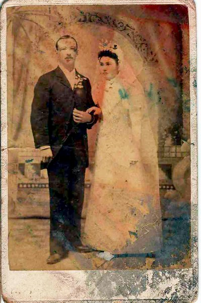 Casper Lawrence Gerdes, Sr. marries Antonio Frances Meyer, January 20,1890. How about those smiles ?!?!!?