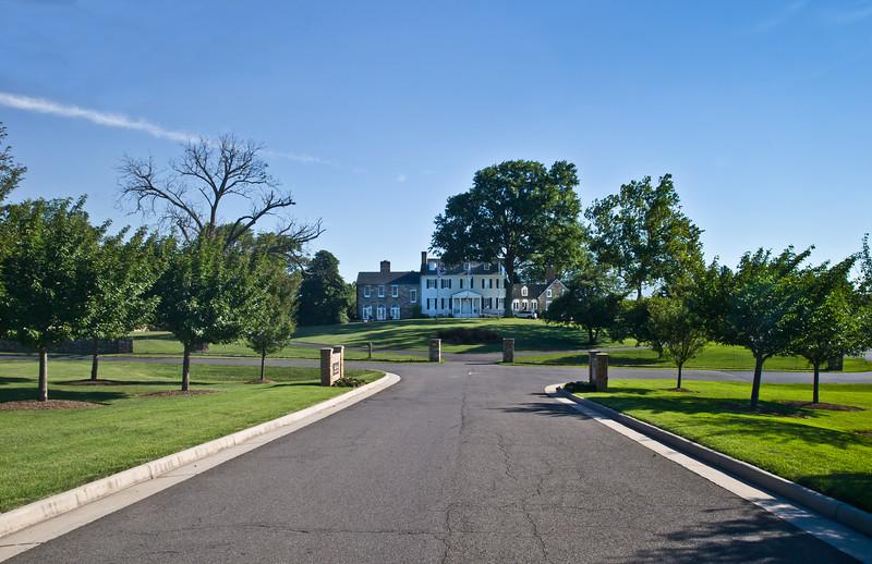 Evergreen Plantation Manor House, Expansive Entrance (2017 FeigheryD)