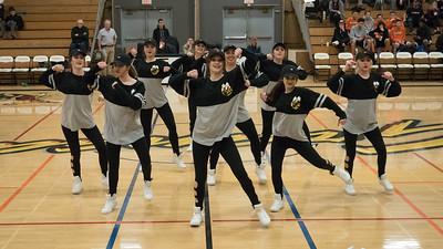 170120 GHS DANCE TEAM PERFORMANCE (CAL JV GAME)