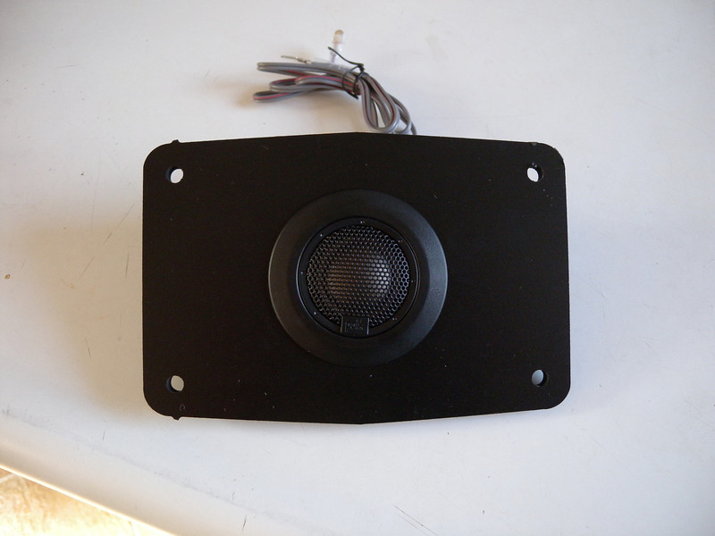 "Aftermarket tweeter and tweeter adapter plate  from  <a href=""http://www.car-speaker-adapters.com/items.php?id=SAK078""> Car-Speaker-Adapters.com</a>"