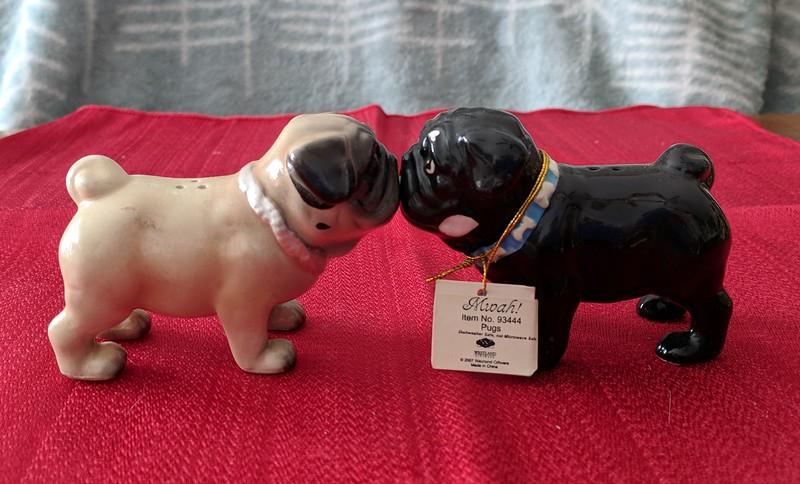 Pug Kissing Salt & Pepper
