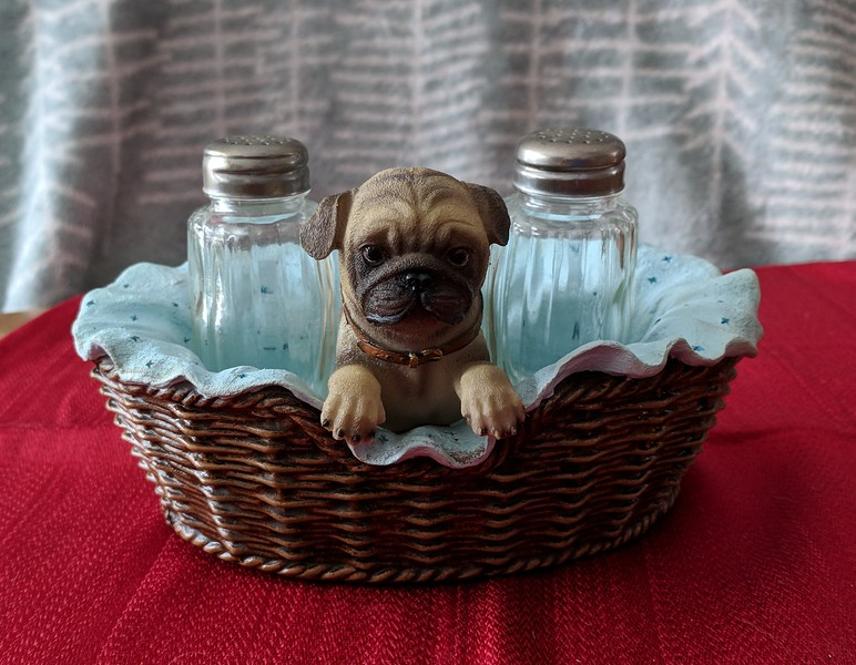 Pug Basket Salt & Pepper