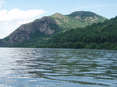 Closer view of Breakneck Ridge.