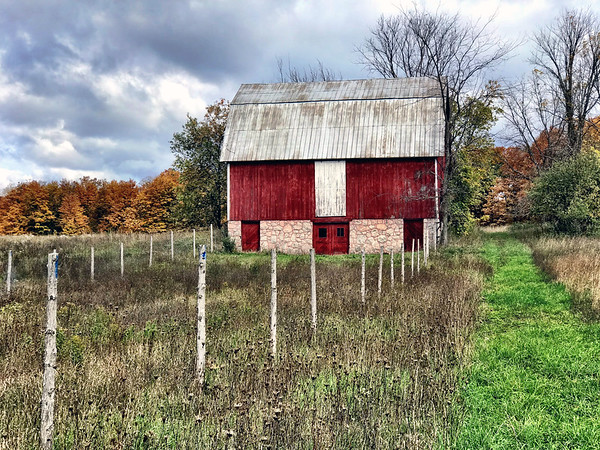 An Antrim County Barn. Photo by Meg Benner.