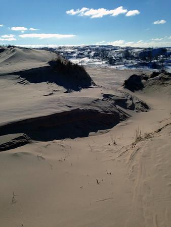 A winterscape at Sleeping Bear Dunes. Photo by Scott Gravelie.