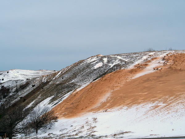 A dusting of snow covered the dune climb at Sleeping Bear Dunes. Photo by Cathy McKinley.