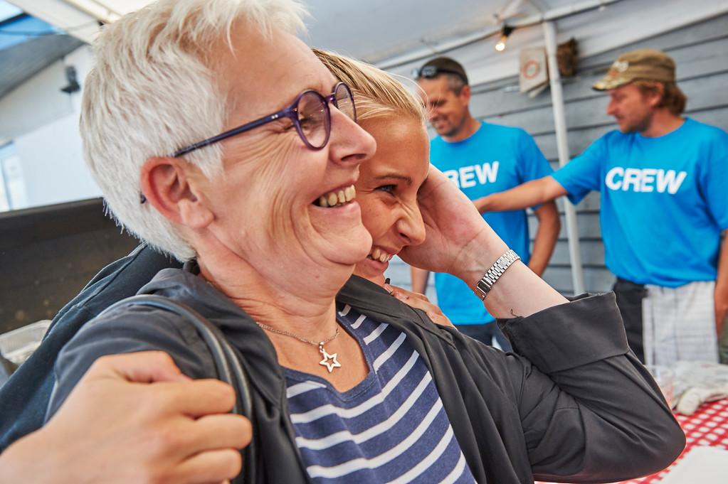 Snak lige om gode sild til frokost. Her to af de smukke, kendte fra Kabyssen, Birgit Lied Flagstad og Sofie