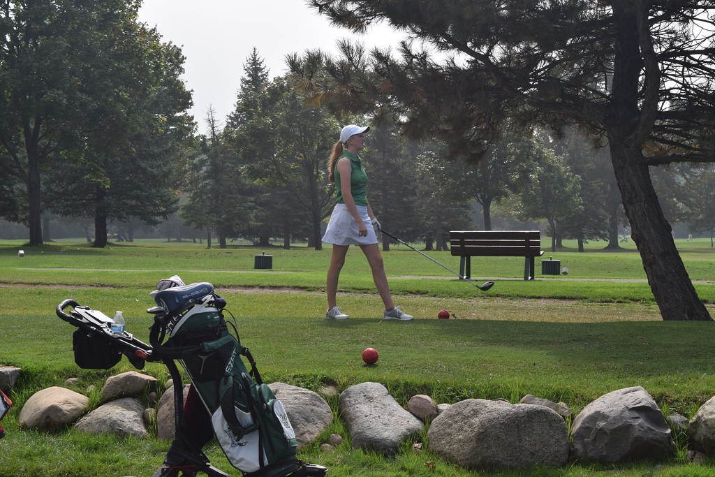 . The Bloomfield Hills girls won the Oakland County Golf Championship on Wednesday at Pontiac Country Club. Lake Orion came in second. (Photo by Paula Pasche)