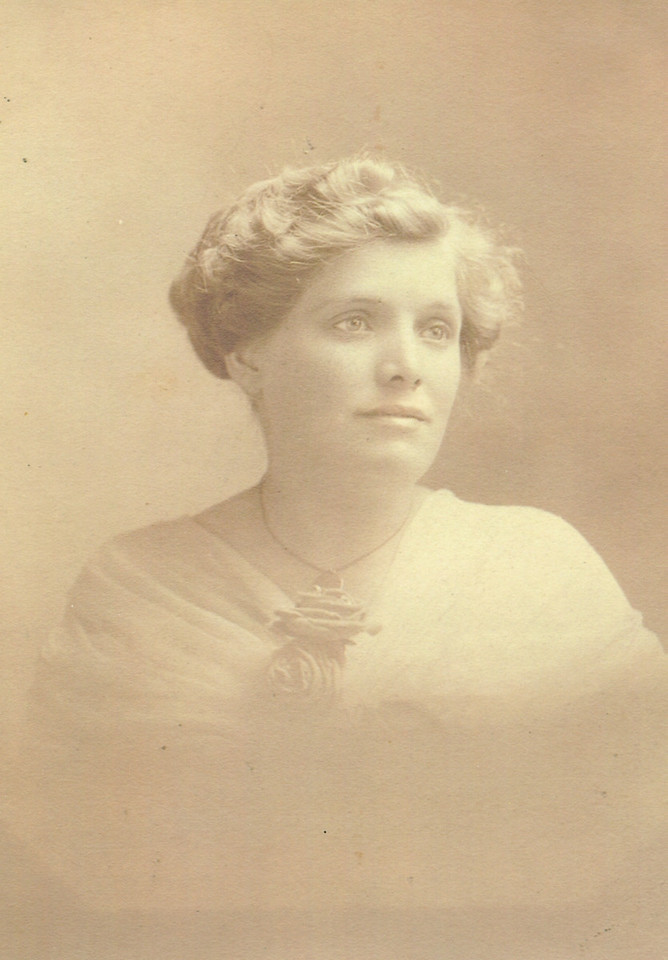 Elvira Walton Henwood, 1st wife of David Daniel Henwood, mother of John Vernon, Grandmother of Daryl Henwood