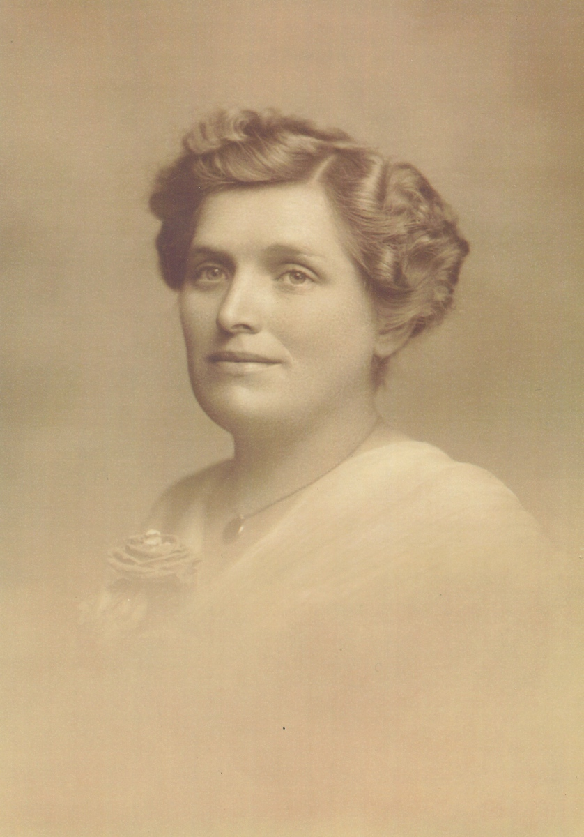 Elvira Walton Henwood, wife of David Daniel Henwood, mother of John Vernon, Grandmother of Daryl Henwood