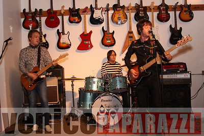 05 30 09  Good Hurt Night Club   12249 Venice Blvd    www goodhurt net   Timewarp Music www timewarpmusic com  Enter the Dragon   Reggae musice   Tom Chasteen, Boss Harmony, Dub Club, Jah Faih www venicepaparazzi com (12)