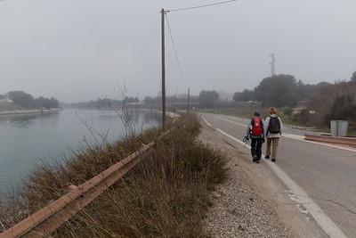Le long du canal avant de passer SOUS la RN 568 - Km 3,75