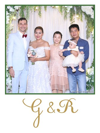 GR-Wedding-Photobooth-in-Saigon-HoChiMinhCity-Chup-hinh-in-anh-lay-lien-Tiec-cuoi-tai-Vietnam-WefieBox-Photobooth-Vietnam-035