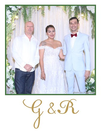 GR-Wedding-Photobooth-in-Saigon-HoChiMinhCity-Chup-hinh-in-anh-lay-lien-Tiec-cuoi-tai-Vietnam-WefieBox-Photobooth-Vietnam-003