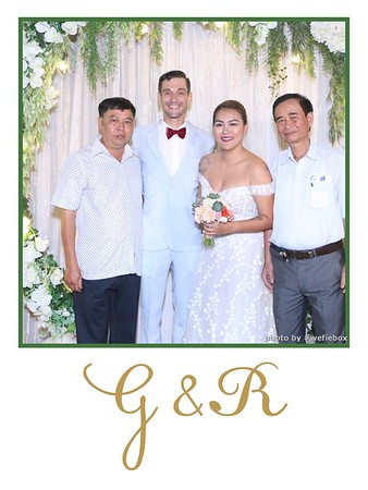 GR-Wedding-Photobooth-in-Saigon-HoChiMinhCity-Chup-hinh-in-anh-lay-lien-Tiec-cuoi-tai-Vietnam-WefieBox-Photobooth-Vietnam-025
