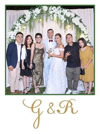 GR-Wedding-Photobooth-in-Saigon-HoChiMinhCity-Chup-hinh-in-anh-lay-lien-Tiec-cuoi-tai-Vietnam-WefieBox-Photobooth-Vietnam-039