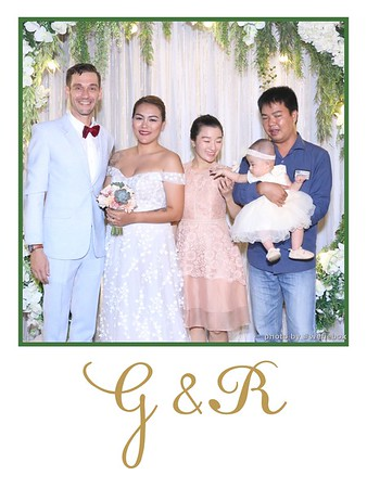 GR-Wedding-Photobooth-in-Saigon-HoChiMinhCity-Chup-hinh-in-anh-lay-lien-Tiec-cuoi-tai-Vietnam-WefieBox-Photobooth-Vietnam-034
