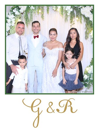 GR-Wedding-Photobooth-in-Saigon-HoChiMinhCity-Chup-hinh-in-anh-lay-lien-Tiec-cuoi-tai-Vietnam-WefieBox-Photobooth-Vietnam-008