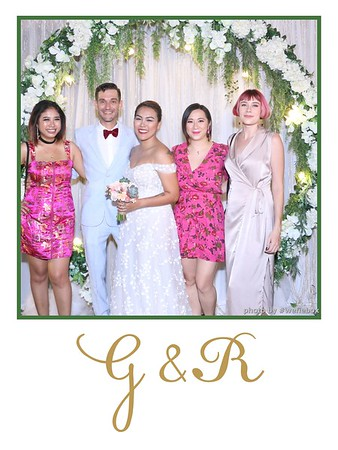 GR-Wedding-Photobooth-in-Saigon-HoChiMinhCity-Chup-hinh-in-anh-lay-lien-Tiec-cuoi-tai-Vietnam-WefieBox-Photobooth-Vietnam-038