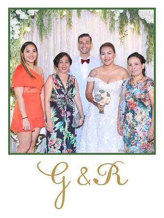 GR-Wedding-Photobooth-in-Saigon-HoChiMinhCity-Chup-hinh-in-anh-lay-lien-Tiec-cuoi-tai-Vietnam-WefieBox-Photobooth-Vietnam-024