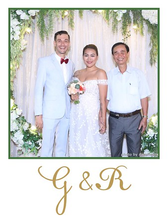 GR-Wedding-Photobooth-in-Saigon-HoChiMinhCity-Chup-hinh-in-anh-lay-lien-Tiec-cuoi-tai-Vietnam-WefieBox-Photobooth-Vietnam-020