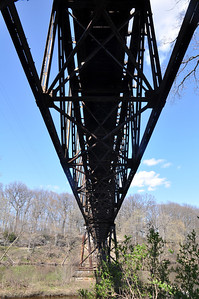 TRAIN BRIDGE UNDERSIDE