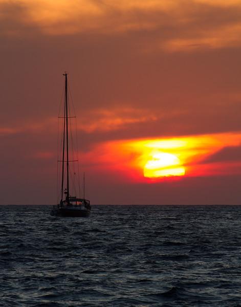 SANTORINI SUNSET. Santorini, Greece.