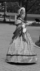 19TH CENTURY LADY B&W