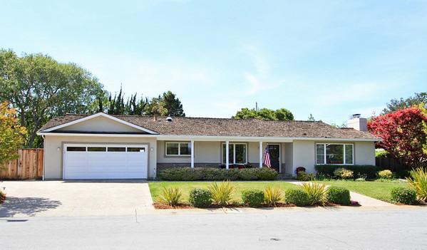 1180 Runnymead, Los Altos