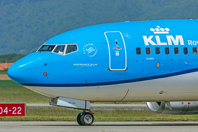KLM Royal Dutch Airlines Boeing 737-7K2 PH-BGH 5-22-19