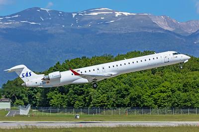 SAS Scandinavian Airlines Bombardier CL-600-2D24 CRJ-900LR EC-JZV 5-22-19