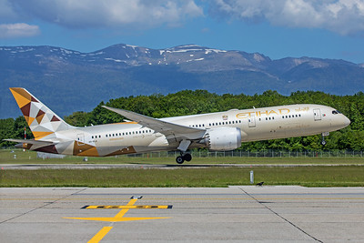 Etihad Airways Boeing 787-9 Dreamliner A6-BLA 5-22-19