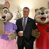 Gardner Mayor Mark Hawke poses with Wiley and Violet at the Gardner Visiting Nurses Associations 8th Annual Executive Leadership Breakfast at Great Wolf Lodge New England on Thursday, October 19, 2017. SENTINEL & ENTERPRISE/JOHN LOVE