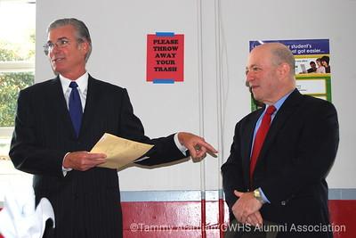 Supt. Torlakson and Alumni President John Rothmann