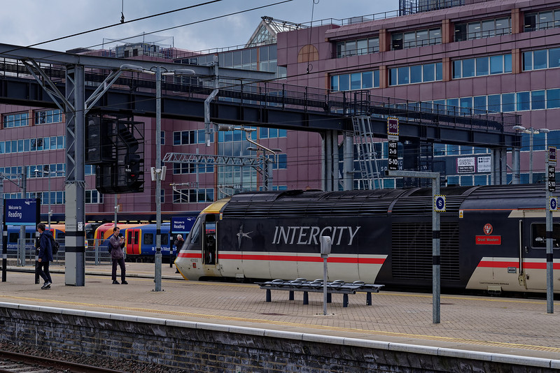 43185 at Reading with 1L48, the 09:29 Swansea - Paddington. <br /> 18th May 2019, the final day of GWR mainline HST services.