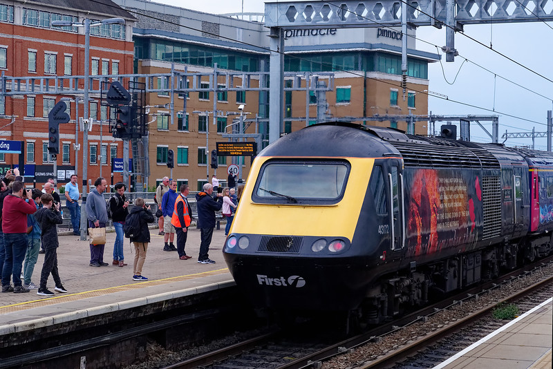 """43172 """"Harry Patch"""" departs from Reading for the last tine with 1G60, the 18:15 Paddington - Cheltenham Spa. 18th May 2019, the final day of GWR mainline HST services."""