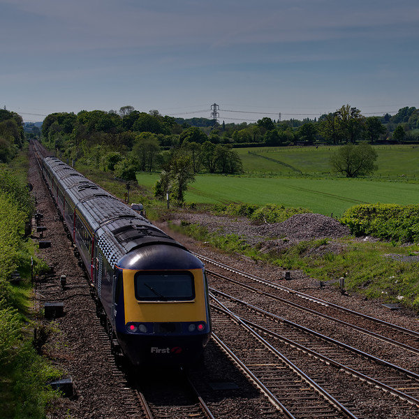 43071 / 43162 crossing Fairwood Junction, Westbury, with 1C84, <br /> the 14:03 Paddington - Penzance. 13th May 2019.