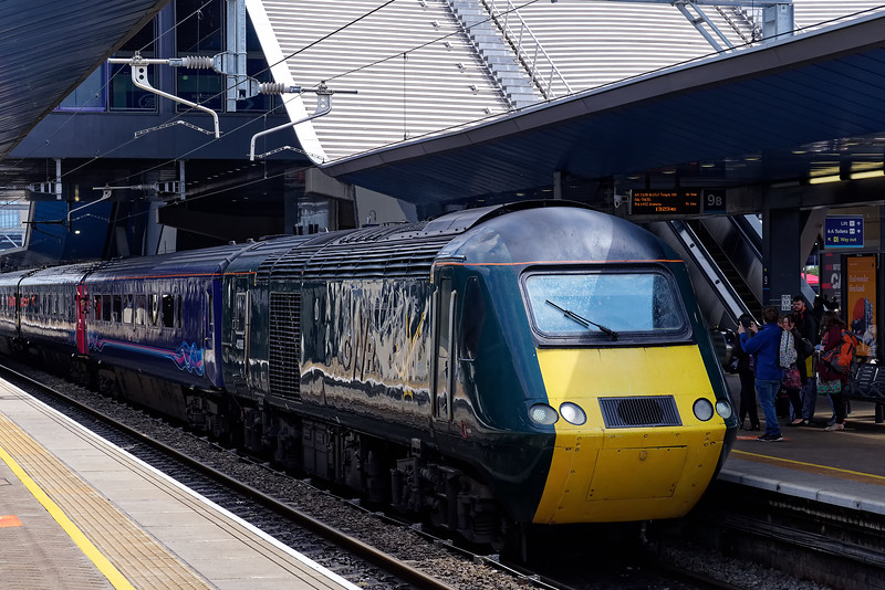 43188 stands at Reading with 1C15, the 13:00 Paddington - Bristol Temple Meads <br /> on 18th May 2019, the final day of GWR mainline HST services.